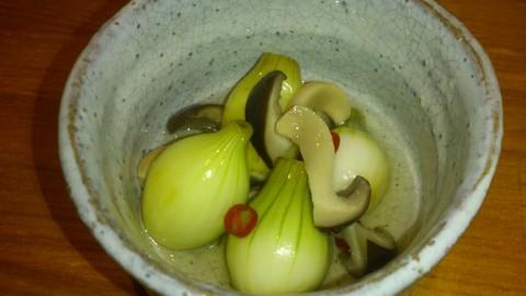 玉ねぎをピクルスにした「玉ねぎのピクルス」