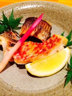 炭火焼き魚三種食べ尽くし 写真はカマス・イサキ・ヒメジです。