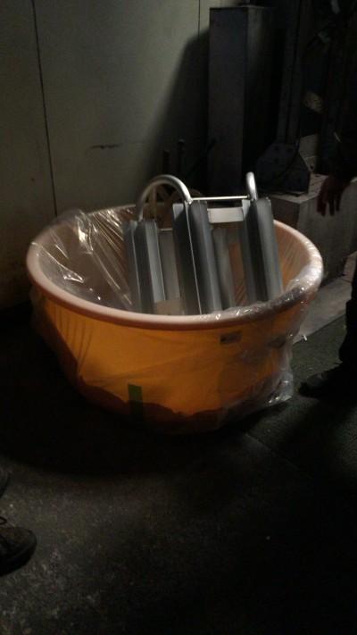 プラスチックの桶の変更。こちらは女性でも扱えるように軽量化するためにこちらに変えたとのこと。